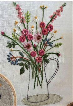 Resultado de imagen de cestas de flores bordadas