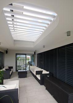 #diamonddesigncz #diamonddesigneu #outdoorliving #bioklimatic #bioklimatickepergoly #camargue #aero #renson #lamelovystrop #minimalist #sunprotection #rainprotection #dustprotection #stineni #ochranapreddestem #ochranapredvetrem #ochranapredprachem #windprotection #integratedscreens #integrovanescreeny #luxuryterrace #luxusniterasa #whirlpool #vířivka Solar Shades, Diamond Design, Terrace, Blinds, Outdoor Living, Pergola, Minimalist, Outdoor Furniture, Curtains