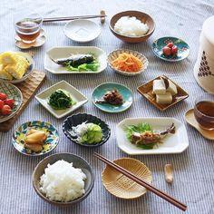 【豆皿のある暮らし】人気インスタグラマーTammy*さんに聞く、豆皿を使うコツ | くらしのアンテナ | レシピブログ B Food, Bento Box, Home Recipes, Sweet Home, Asian, Ethnic Recipes, Drinks, Plating, Presentation