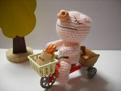 Leisure Pig Babe crochet pattern are provided by 甘井りんご  (HEAD)Form a ring: Ring instruction , Diagram - Ring Round 1 : 6 sc in ring - wor...