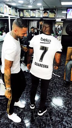 The t shirt Nike Air Max worn by Sergio Ramos on a photo to
