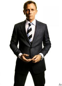 Daniel Craig in Tom Ford suit Daniel Craig, Craig 007, Craig James, Craig Bond, Sharp Dressed Man, Well Dressed, Fashion Moda, Men's Fashion, Gq