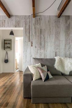 porcelanato; porcelanato que imita madeira; porcelanato que imita madeira na cozinha; porcelanato na sala; ideias de sala com porcelanato de madeira; madeir