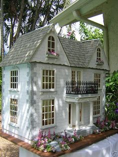 Dollhouses by Robin Carey: The Van Buren I'm not sure what design doll house I want, but I am discovering there are so many!