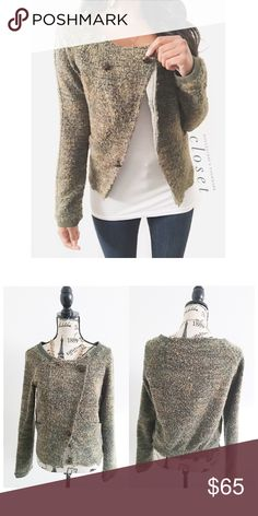 "Free People Green Tweed Bomber Jacket This fuzzy style tweed has an army green, darker green and gold mix. The trim on the collar and sleeves give it a bomber jacket feel with elevated style. 2 pockets in the front {I am not a professional photographer, actual color of item may vary ➾slightly from pics}  ❥chest:18"" ❥waist:17 ❥length:21"" ❥sleeves:26"" ➳material/care:polyester, acrylic, wool,cotton/hand wash  ➳fit:a fitted med ➳condition:good no rips/stains  ✦20% off bundles of 3/more items ✦No…"