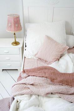 eine rosa wand? nieemals! | wands, pink walls and stripes - Schlafzimmer Pink Weis