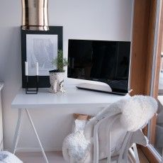 Modern Scandinavian desk and metal hanging lamp Hi-Hat // Kasper Nyman