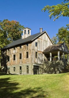 Barn house - Give this baby some fresh paint, it would look oh so nice!