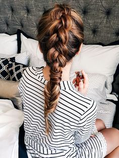 Cute And Easy First Date Hairstyle Ideas - Trend To Wear