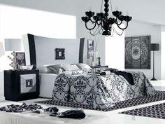 Os traemos este dormitorio romántico en blanco y negro. Nos encantan los detalles, y quedarnos un rato más en la cama.