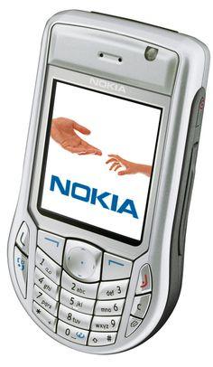 NOKIA 6630 (Vodafon Japan 702NK)  性能に不満はなかったが、下ぶくれのデザインがイマイチだった。