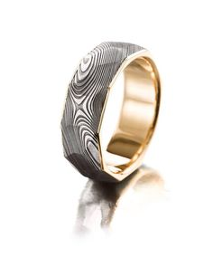 My most popular men's rings. Damascus steel and 750 ‰ yellow gold. Damascus Ring, Damascus Steel, Institute Of Design, Petra, Different Colors, Rings For Men, White Gold, Wedding Rings, Rose Gold
