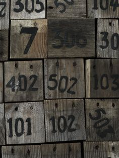 wood and numbers Branding And Packaging, Hipster Wedding, Food Artists, Photography Words, Industrial Chic, Industrial Interiors, Letter Art, Letters And Numbers, Table Numbers