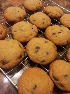 Cut the Wheat, Ditch the Sugar: Soft wheat free, gluten free, sugar free chocolate chip cookies