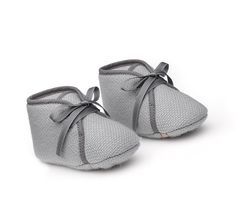 Paf O Galop Hermes baby booties in blue. Little Boy Fashion, Baby Boy Fashion, Kids Fashion, Baby Girl Shoes, Baby Boy Outfits, Baby Girl Items, Little Baby Girl, Beautiful Baby Girl, Baby Cover