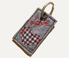 Schlüsselanhänger LOVE Anhänger von NähNu? auf DaWanda.com