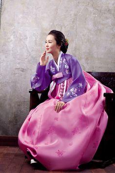 Hanbok: A traditional clothing of Korea