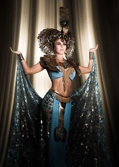 """The Look: Cleopatra - Ekaterina Vygolova in """"Cleo,"""" Dark Beauty Magazine. Photography by Jennifer Winfrey, concept and makeup by Rachel Sigmon. Egyptian Fashion, Egyptian Beauty, Egyptian Goddess Costume, Cleopatra Costume, Nefertiti Costume, Cleopatra Dress, Dark Beauty Magazine, Belly Dance Costumes, Mummy Costumes"""