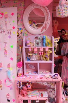 Pink 90's Room