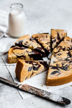 Vegan + gluten-free marble cake sans gluten in 2019 десерты, Vegan Dessert Recipes, Vegan Sweets, Baking Recipes, Cake Recipes, Gluten Free Pie, Gluten Free Cakes, Gluten Free Desserts, Fodmap, Gateaux Vegan