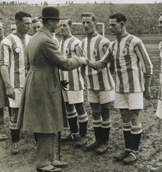 HUDDERSFIELD TOWN - 1922 FA CUP FINAL 10X8 PHOTO (1) Tom Wilson, Huddersfield Town, Fa Cup Final, Football Pictures, Manchester City, Terriers, Finals, Champion, Soccer