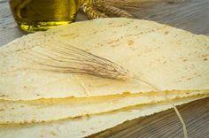 Carasau Bread (traditional flatbread from Sardinia). Photo from genteinviaggio.it