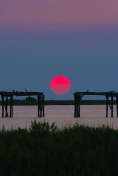 SUNSET @ Pea Island, NC _____________________________ Reposted by Dr. Veronica Lee, DNP (Depew/Buffalo, NY, US) ~~ From Breast Cancer Site