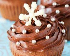Cupcakes de fêtes tout chocolat sans matières grasses : http://www.fourchette-et-bikini.fr/recettes/recettes-minceur/cupcakes-de-fetes-tout-chocolat-sans-matieres-grasses.html