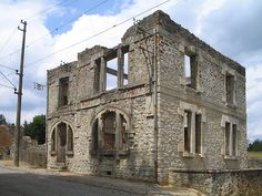 800px-Oradour-sur-Glane-PostOffice-1385