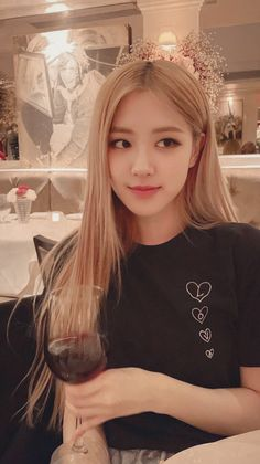 my idol:)))) woodworking projects - Woodworking Divas, Blackpink Jisoo, Blackpink Jennie, Bts Instagram, Kpop Girl Groups, Kpop Girls, Foto Rose, Youtuber, Rose Park