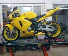 Honda Sport Bikes, Honda Motorcycles, Custom Motorcycles, Custom Wheels, Custom Cars, Honda Cbr 600, Honda Motors, Motorcycle Manufacturers, Sportbikes