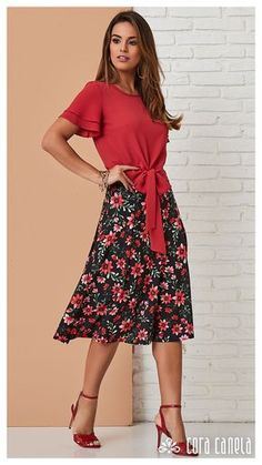 Cute Blouses, Blouses For Women, Dress Outfits, Fashion Outfits, Womens Fashion, Blouse Designs Silk, Looks Plus Size, Under Dress, Boho Skirts
