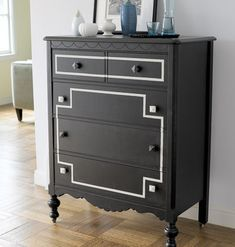 Fab Dresser Makeover Classic Black and Gold - Top 60 Furniture Makeover DIY Projects and Negotiation Secrets Painting Old Furniture, Refurbished Furniture, Repurposed Furniture, Furniture Projects, Furniture Making, Furniture Makeover, Dresser Makeovers, Recycled Dresser, Dresser Painting