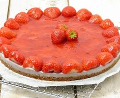 AARDBEI KWARKTAART Agar, Tiramisu, Cheesecake, Pie, Cupcakes, Breakfast, Ethnic Recipes, Desserts, Food