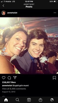 Harry Styles Smile, Harry Styles Funny, Harry Styles Pictures, Harry Edward Styles, One Direction Videos, I Love One Direction, Crying In The Shower, Gemma Styles, Bae