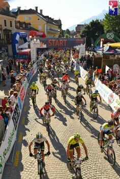 Partenza gara mountainbike dolomiti superbike