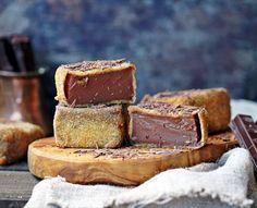 Leche frita de chocolate Chocolate Nestle, Spanish Desserts, Christmas Bread, Healthy Sweets, Cake Cookies, Fudge, Delish, Bakery, Food Porn