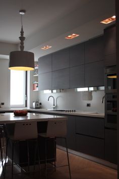 Cuisine on pinterest black kitchens white kitchens and - Cuisine sans poignee ikea ...