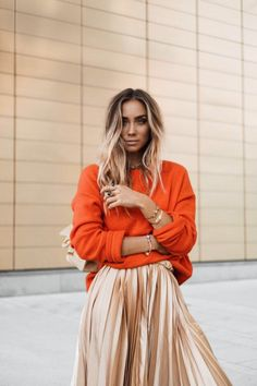 https://www.bloglovin.com/blogs/lisaplace-7963331/orange-pleated-5143594291