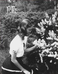 Fifteen-year-old Sylvia Plath.