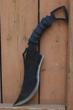 (varies) Weight: lbs Made out of 1075 High Carbon Steel Heat Treated and Hardened to 53 Rockwell Swords And Daggers, Knives And Swords, Knife Patterns, Sword Design, Dagger Knife, Concept Weapons, Cool Knives, High Carbon Steel, Fixed Blade Knife
