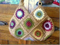 Sunburst Granny Flower Bag, note: No pattern as such (search on Pinterest for sunburst or I have tons of three boards). This is how to assemble bag, thanks for creative idea though xox