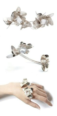 Silver & clear crystal hand piece - nature inspired jewellery design - sculptural adornments; art jewelry // Yukié Deuxpoints