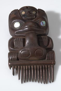 Tlingit comb. 1860s. AMNH collection. @cargocultist