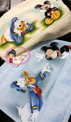 Miki Y Mini, Walt Disney Characters, Cartoon Painting, Mickey And Friends, Fabric Painting, Doodle Art, Crafts To Make, Art For Kids, Doodles
