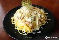 Füstölt lazacos spagetti