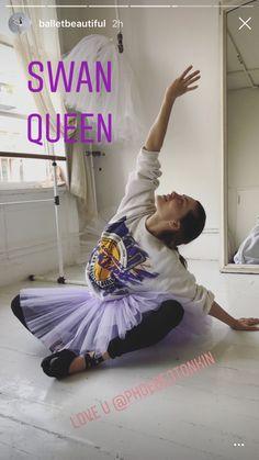 Queen Love, Swan Queen, Phoebe Tonkin, Iconic Women, Loving U, Dance, Female, Vampire Diaries, Icons