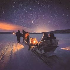 Back to reality Monday tomorrow.at least we can make it a cozy night tomorrow night! Every day we bring you more cozy images to enjoy. Come back for more coziness tomorrow. Survival Gear, Survival Skills, Back To Reality, Cozy Place, Night Vision, Northern Lights, Places To Go, Explore, Travel
