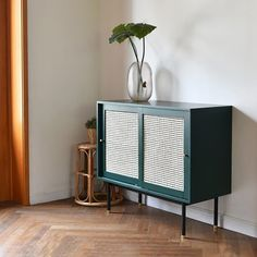 Rattan Furniture, Upcycled Furniture, Living Room Furniture, Home Furniture, Living Room Decor, Dining Room, Dining Area, Room Kitchen, Kitchen Furniture
