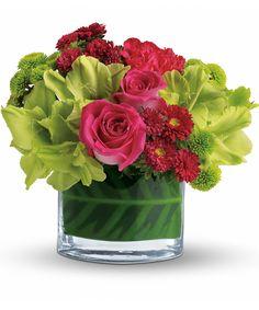 Picture Wedding Centerpieces, Wedding Flower Arrangements, Flower Bouquet Wedding, Floral Arrangements, Flower Bouquets, Low Centerpieces, Small Bouquet, Table Decorations, Green Flowers